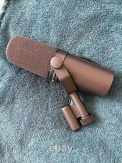 SHURE SM7B DYNAMIC MICROPHONE- Excellent condition
