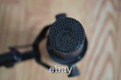 Shure SM7B Cardioid Dynamic Vocal Microphone Mic with box & swag