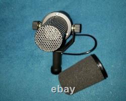 Shure SM7B Vocal Dynamic Microphone, Cardioid, Black