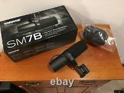 Shure Sm7b Cardioid Dynamic Vocal Microphone! Jamais Utilisé! Condition De Menthe