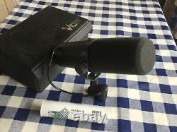 Shure Sm7b. Microphone Dynamique Classique. Livré Avec Préampli En Ligne Fethead